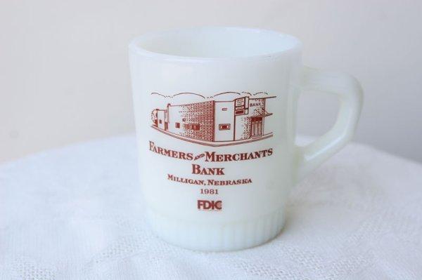 画像1: Fire-King リブドスタッキングFarmers and Merchants Bank Brown 1981 (1)